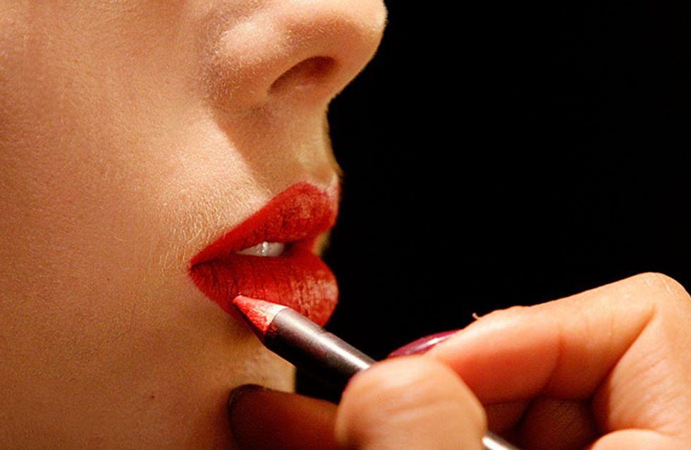 Domine a arte de aplicar batom vermelho em 5 passos