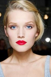 Make-up dewy: come avere una pelle luminosa effetto rugiada