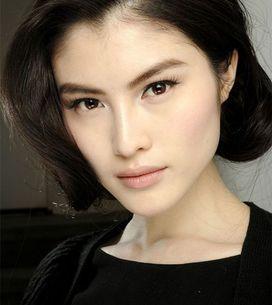 Make-up dewy: come avere una pelle luminosa effetto rugiada in poche mosse!
