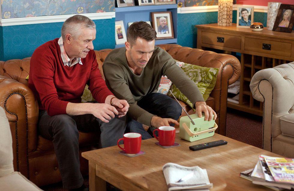 Hollyoaks 1/03 - The Osbornes suspect Alfie took the money
