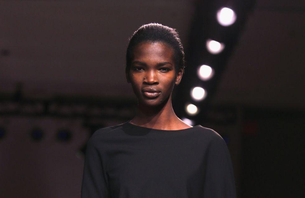 Questa modella ugandese ha risposto ad alcuni commenti razzisti e... ha davvero fatto centro!