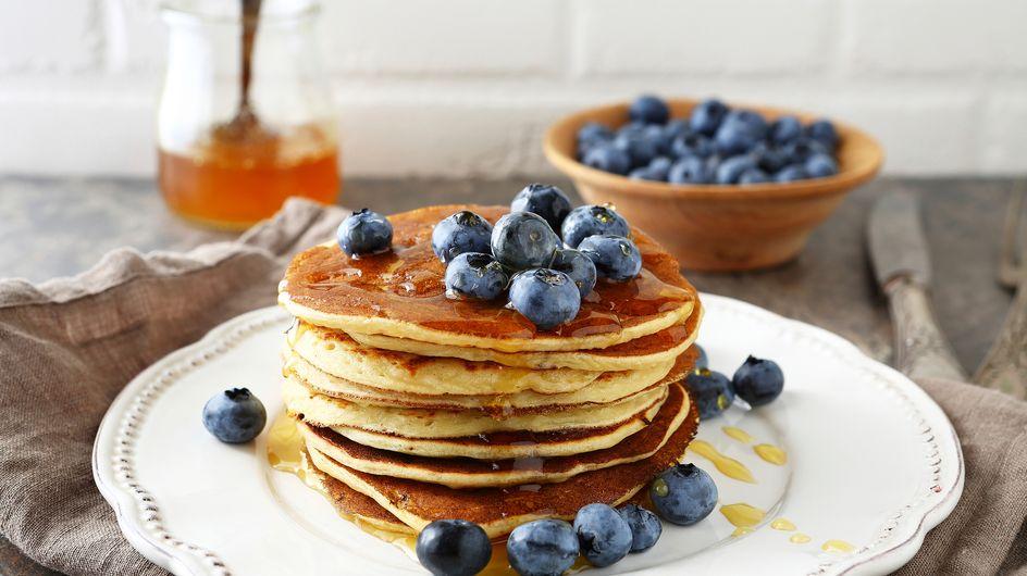 Mit Sirup, mit Joghurt, vegan oder low carb: Wir haben 5 leckere Pancake-Rezepte für euch!