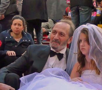 'Vídeo' El matrimonio entre una niña de 12 años y un hombre de 65 que escandaliz