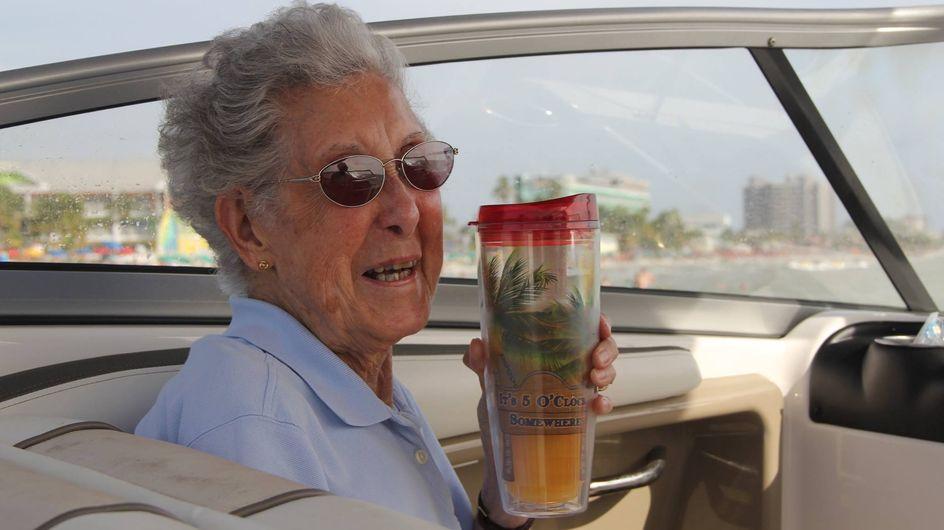 90 anni e il cancro, sceglie di non curarsi e di intraprendere un viaggio con la sua famiglia