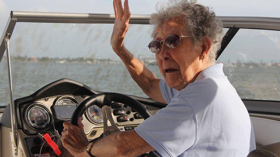 Esta increíble anciana de 90 años prefirió cumplir su sueño de recorrer el mundo en vez de ir a quimioterapia