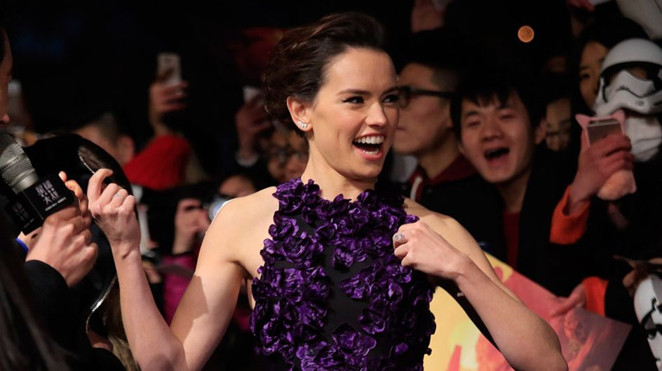 Daisy Ridley Talks Filming Star Wars VIII With Mark Hamill