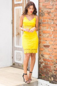 Look giallo per la festa della donna