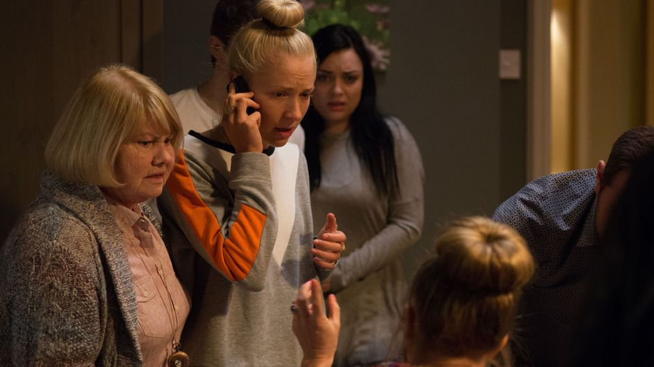 Eastenders 15/03 - The Carter family are thrown into panic