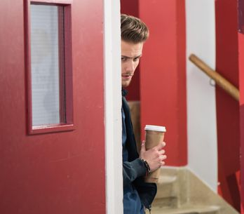 Hollyoaks 14/03 - Leela and Cameron pack up Ste's possessions