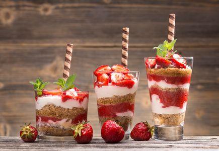 Cereales con yogur y fresas