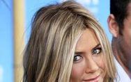 Come sembrare più giovani con il trucco: tutti i segreti per un perfetto make-up