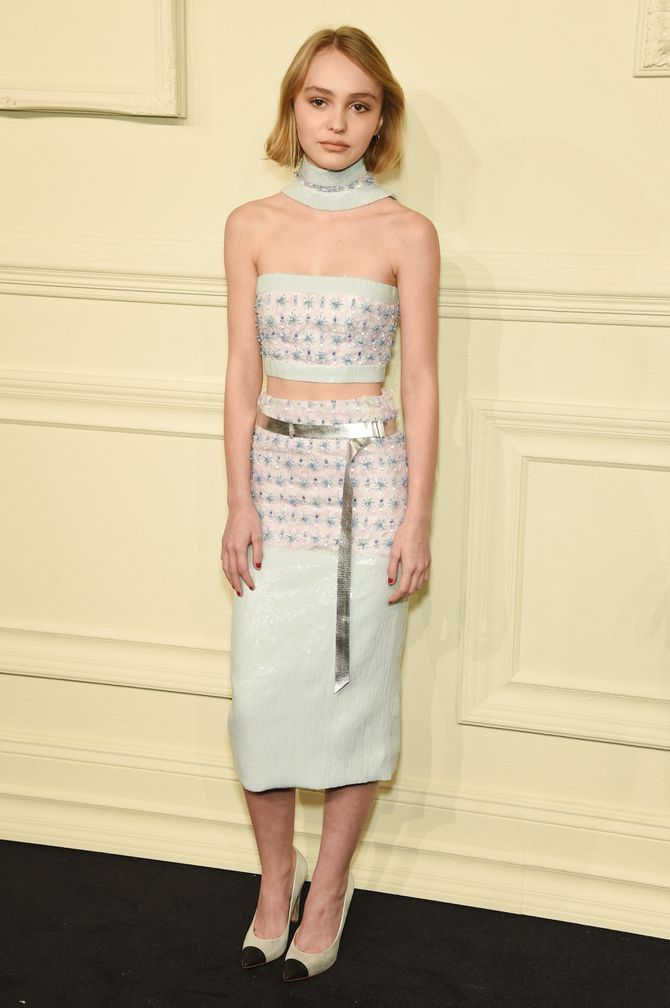 Lily-Rose Depp adopte le choker