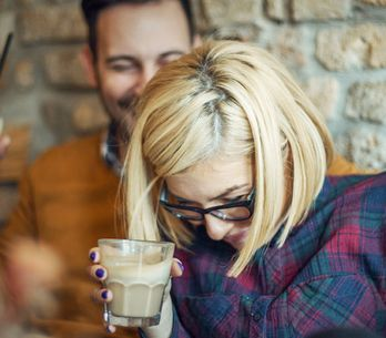 Das Geheimnis einer glücklichen Beziehung: 5 Dinge, über die du täglich mit dein