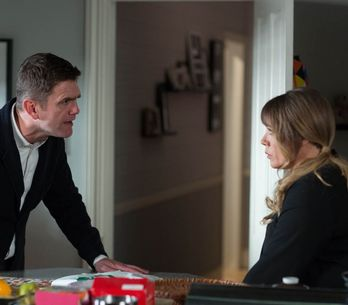 Eastenders 07/4 - Ronnie is left shaken when Les arrives