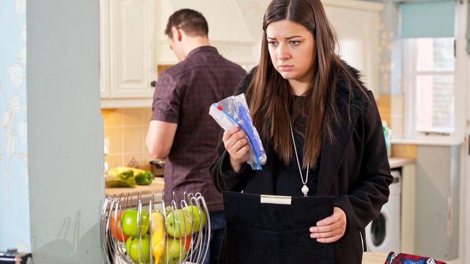 Hollyoaks 06/4 - Lindsey is stunned by Joe's shock proposal