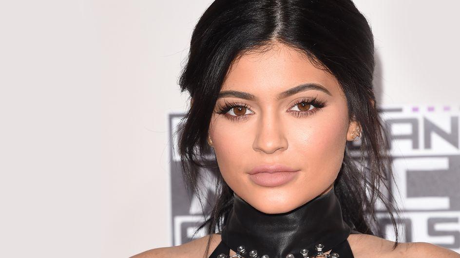 On pique l'astuce de Kylie Jenner pour dire adieu aux boutons