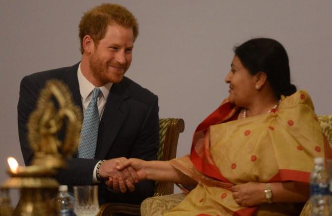 Le prince Harry et la présidente du Népal