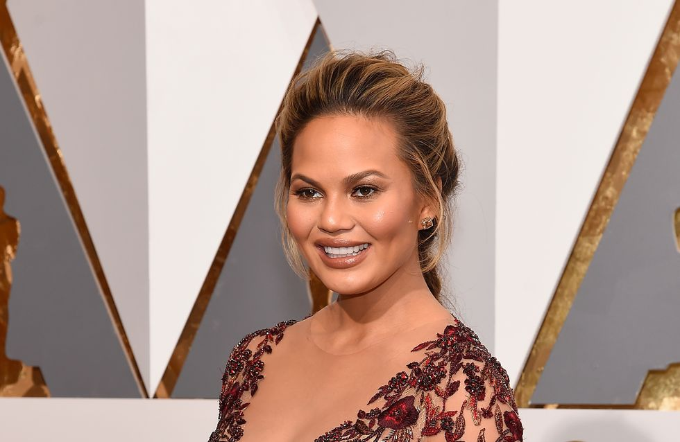 Chrissy Teigen enceinte sublime sans maquillage (Photo)