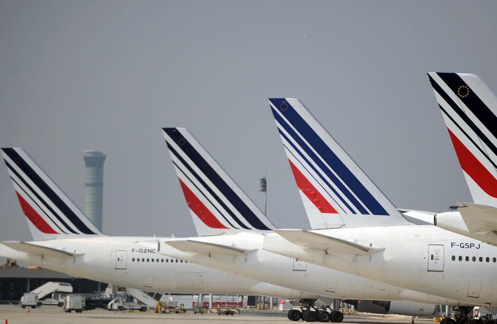 Des hôtesses d'Air France refusent de porter le voile en Iran