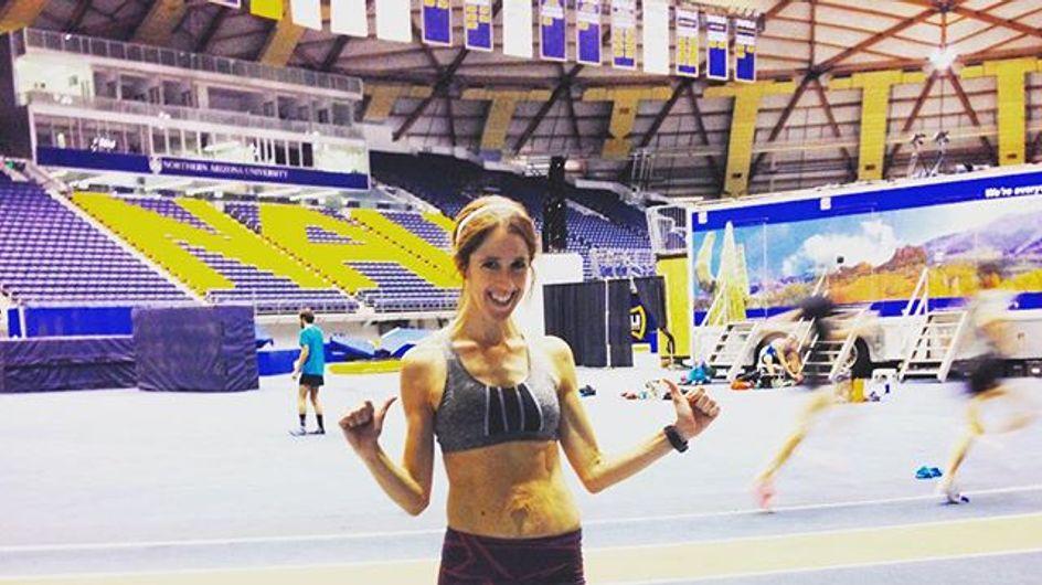 Maratoneta mostra il proprio corpo modificato dalla gravidanza