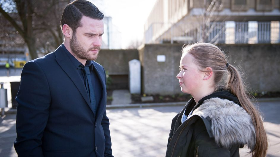 Emmerdale 13/04 - Aaron's nervous when Liv and Sandra take to the stand in court