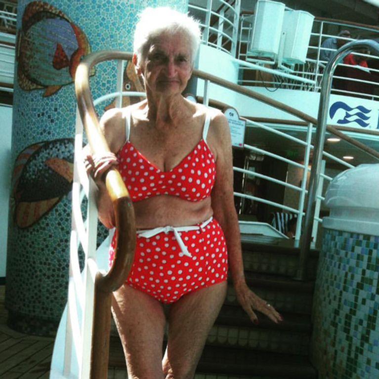 Oma Bikini