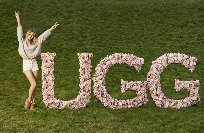 Rosie Huntington-Whiteley devient la nouvelle égérie UGG