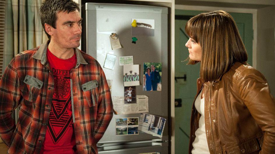 Emmerdale 21/4 - Belle seduces Doctor Bailey