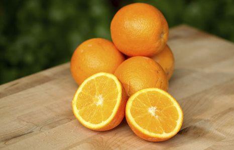 Vitamin C reiche Lebensmittel Platz 10: 50 mg / 100 g Orangen