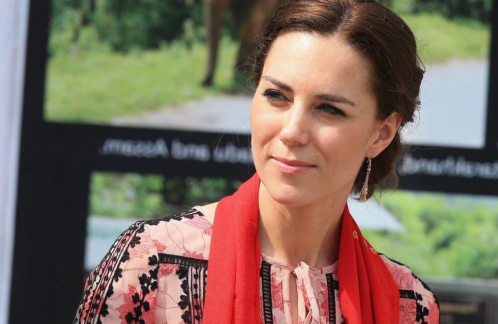 Un pantalon Zara et une robe Topshop pour Kate Middleton
