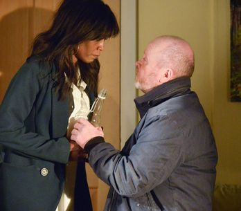Eastenders 26/04 - Phil returns to his old ways