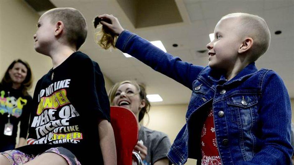 [VÍDEO] Mira cómo se solidarizan estos niños con su compañera de clase enferma de cáncer