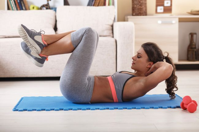 esercizi per perdere peso a pancia e gambe a casa