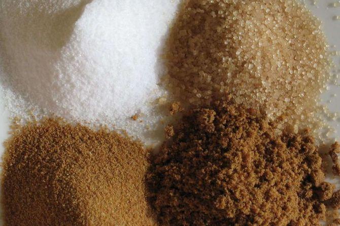 Le sucre, surtout blanc, on en mange le moins possible !