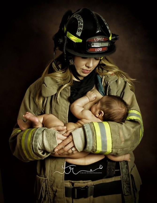 Eine Feuerwehrfrau