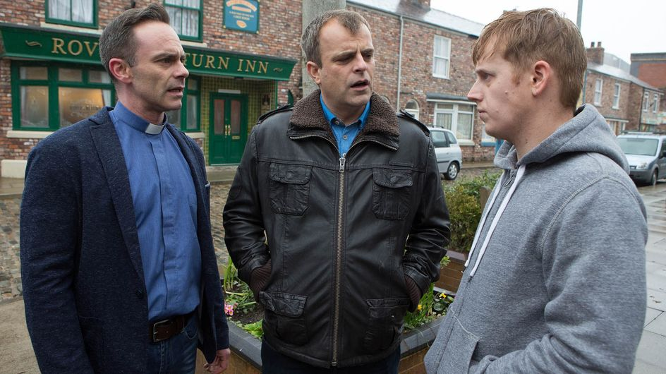 Coronation Street 04/5 - Strained Nick left holding the baby