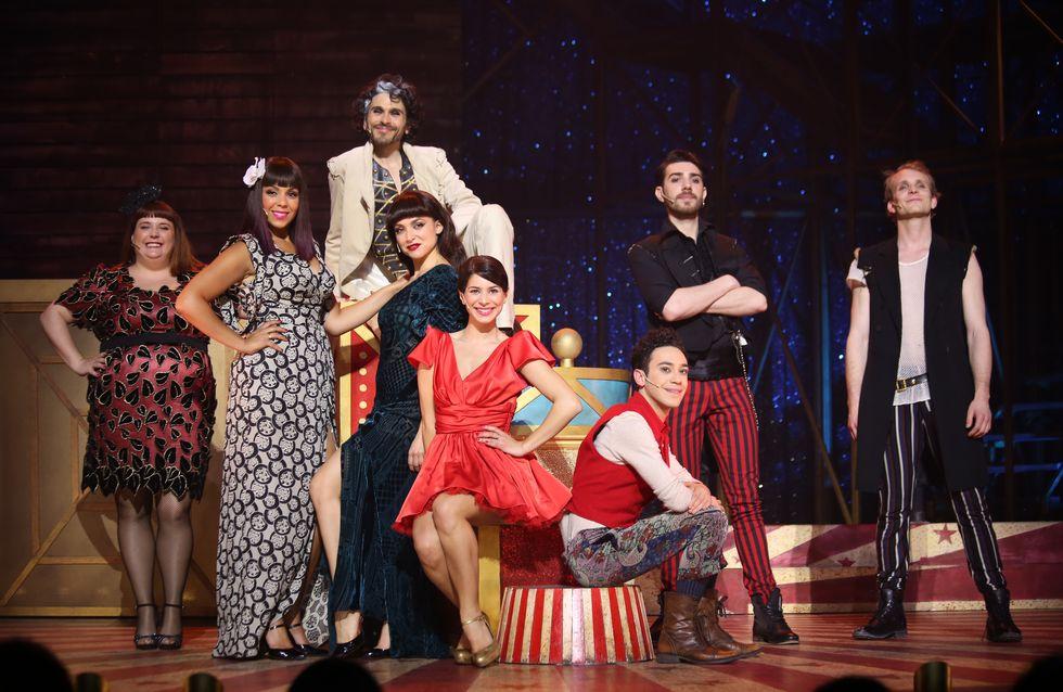 """La comédie musicale """"Love Circus"""" illumine les Folies Bergère"""