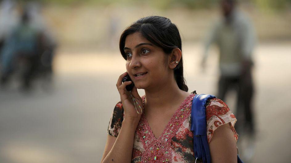 Un bouton SOS sur tous les portables pour protéger les Indiennes des agressions