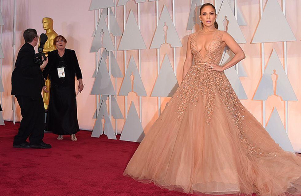 Tente acertar que famosa usou cada um desses vestidos