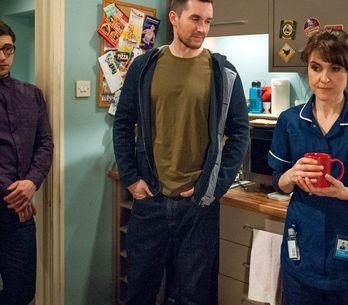 Emmerdale 11/5 - Mistrusting Finn accompanies Emma to the doctors