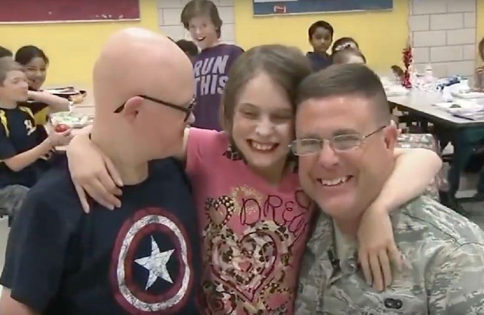 Ce père a fait la plus belle des surprises à ses deux enfants (Vidéo)