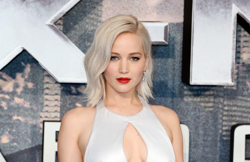 Jennifer Lawrence, sirène futuriste et sexy sur le tapis rouge