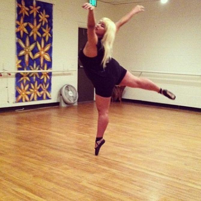 Elle nous montre qu'il possible d'être danseuse et ronde