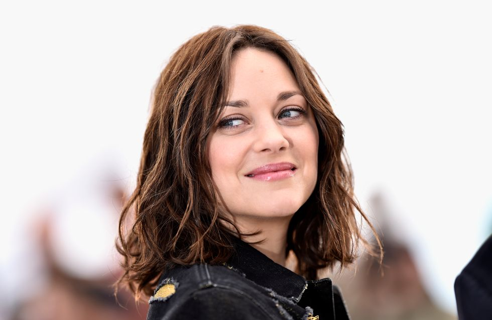 Marion Cotillard ose le look en jean destroy à Cannes (Photos)