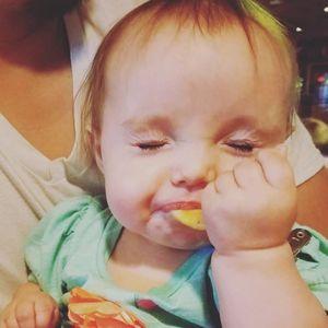Faire goûter du citron à son bébé