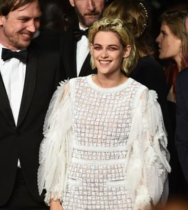 Kristen Stewart en robe Chanel... et baskets trouées ! (Photos)