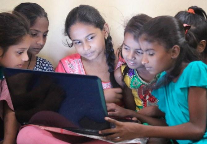 Les TechGirls du Dhavari Diary Project