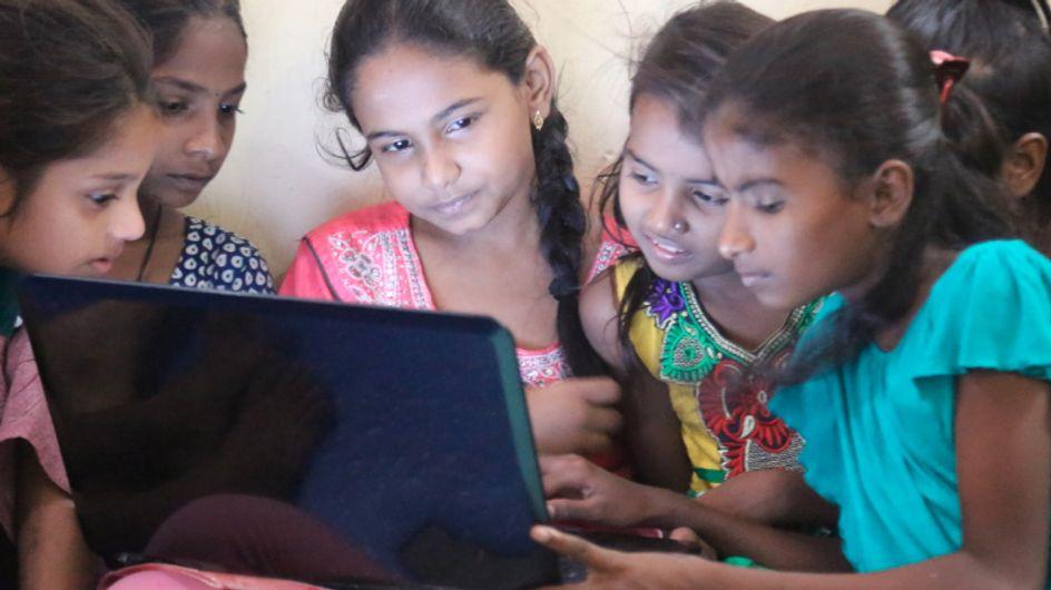 Des adolescentes indiennes inventent une appli pour lutter contre les violences faites aux femmes