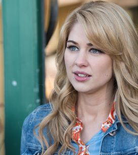 Hollyoaks 01/6 - Zack's loyalty is torn between Sonia and Lisa