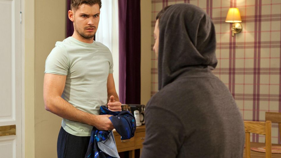 Hollyoaks 08/6 - Freddie visits his daughter at the hospital